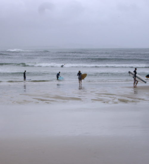 Surfers- Byron bay