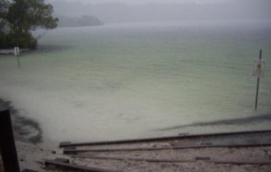 Lac mackenzy -Fraser island