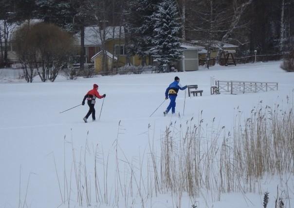 Ski de fond sur lac gelé